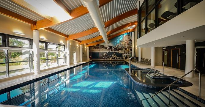 Foxhills swimming pool