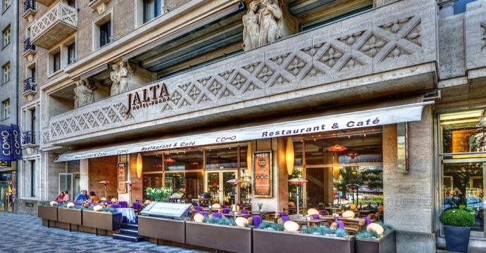 Luxury jalta boutique hotel in prague joins hotelrez for Designer hotel prague