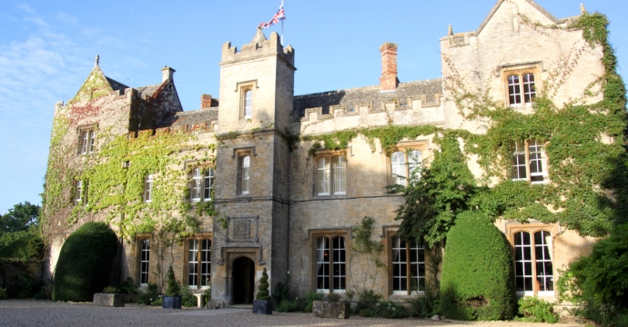 The Manor Country House Hotel joins HotelREZ