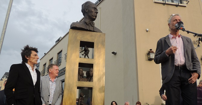Talbot Hotel Stillorgan - Sir William Orpen statue unveiling - ronnie wood