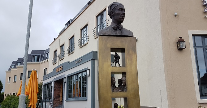 Talbot Hotel Stillorgan - Sir William Orpen statue unveiling